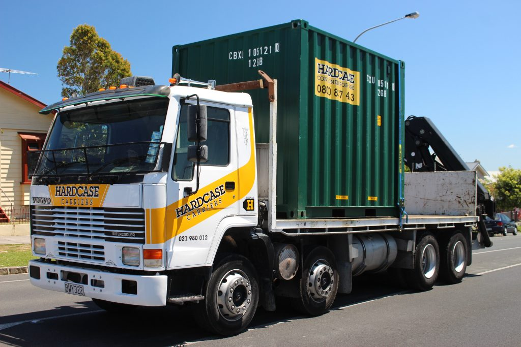 Truck and crane for containers in Waitakere